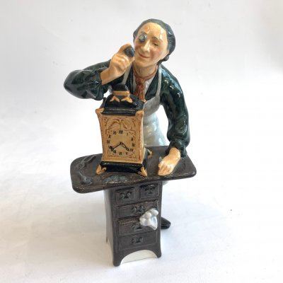 Фигурка, Royal Doulton, THE CLOCKMAKER, № 2279, 1960 г.